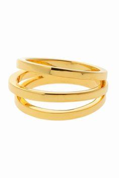 GOLD PHILOSOPHY 3レンプレートリング GOLD PHILOSOPHY 3レンプレートリング 22680 秋冬のニットの手元に存在感のある3連リング 重ね付けもしやすいプレーンなデザインがデイリースタイルにも馴染むデザインです GOLD PHILOSOPHYゴールド フィロソフィー 2014年設立のNYブランド 時を超えたエレガントな女性のエッセンスにパールのもつ美しさを引き出したデザインがポイント 取り扱いについては商品についている洗濯表示にてご確認下さい 店頭及び屋外での撮影画像は光の当たり具合で色味が違って見える場合があります 商品の色味はスタジオ撮影の画像をご参照下さい