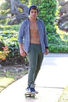 And lastly, Garrett attempted to go skateboarding while partly shirtless…   Why Garrett Clayton Is Not Like Zac Efron