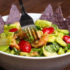 This Shrimp And Avocado Salad Is Perfect For Your Cinco De Mayo Party Garnelen-Avocado-Salat Seafood Recipes, Mexican Food Recipes, Cooking Recipes, Tasty Videos, Food Videos, Cooking Videos, Healthy Snacks, Healthy Eating, Healthy Recipes