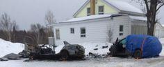 Après l'impact, le véhicule qui a dévié de sa voie a pris feu et les deux personnes qui se trouvaient à bord n'ont pu en sortir.