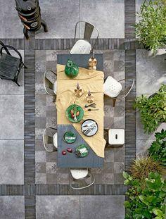 Buitentegels in de tuin | Tiles in the garden | Fotografie Dennis Brandsma | Styling Fietje Bruijn