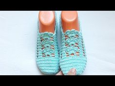 Knitted Slippers, Crochet Shoes, Adidas Sneakers, Crochet Patterns, Boots, Instagram, Fashion, Dish Towels, Slippers Crochet