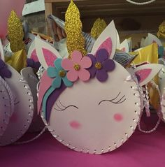 Lembrancinhas de Unicórnio: 25 Ideias Super Fofas para Transformar a Sua Festa! Felt Dolls, Birthday Cake, Birthday Ideas, Desserts, Crafts, Pasta, Recycling Projects, Lol Dolls, Unicorn Birthday Parties