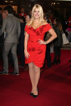holly-willoughby-at-itv-60th-anniversary-gala-in-london-11-19-2015_7.jpg (1200×1800)