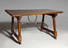 #fotocaption1508 Spanish Design, Spanish Style, Vanity Bench, Architecture Design, Table, Furniture, Home Decor, Spanish, 17th Century