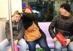 """Tag 6 - damit hier nicht zu viel Harmonie ensteht ;-). Wir hatten viel Spaß zusammen... UND auch das Anstarren westeuropäischer, großer Menschen in den Straßen und in der Metro wurde für uns von Tag zu Tag """"normaler""""."""