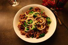 Bastilla, Spaghetti, Ethnic Recipes, Food, Egg White Recipes, Asian Recipes, Noodles, Clean Foods, Meal