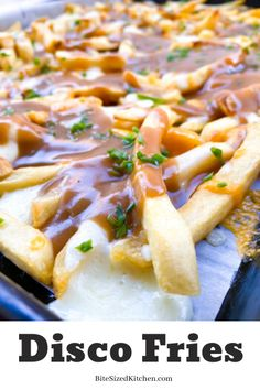 New Jersey Disco Fries recipe! Made with mozzarella cheese! The ultimate gravy fries! Mini Appetizers, Healthy Appetizers, Appetizer Recipes, Party Recipes, Disco Fries Recipe, Slow Cooker Recipes, Beef Recipes, Recipies, Gravy Fries