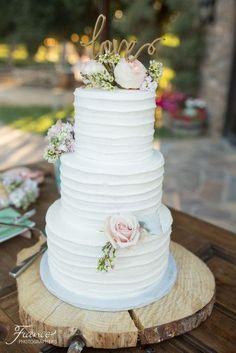 Lake Oak Meadows Wedding Photo | Winery Wedding Venue | Vitagliano Vineyards and Winery | Temecula Wedding | Wedding Cake | Wedding Reception | Rachel Jay of France Photographers