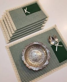 DM for the price information of the American services please … – Omer-semiha Ermin – decoration - Einrichtung Fabric Placemats, Table Runner And Placemats, Fabric Crafts, Sewing Crafts, Crochet Decoration, Small Sewing Projects, Crochet Kitchen, Mug Rugs, Diy Art
