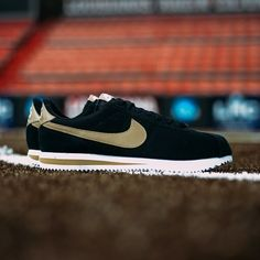 new concept 80f0a 9c525 Nike Cortez Vans Sneakers, Nike Skor, Nike Free Skor, Nike Cortez, Hypebeast