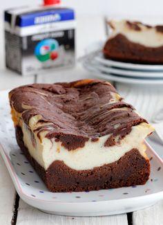 עוגת בראוניז שוקולד וגבינה עם שבילי טראפלס