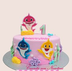 Torta Baby Shark, Tortas Niñas, Tortas, Cuenta con Nosotras 2nd Birthday Party For Girl, Shark Birthday Cakes, 1st Birthday Cake Smash, Girl Birthday Themes, Birthday Parties, Smash Cake Girl, Girl Cakes, Shark Party Decorations, Shark Cake