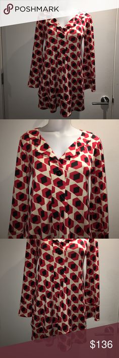 Diane von Furstenberg Silk Gaby Tunic, Size 6. NWT Red, black, and creme Diane von Furstenberg Silk Gaby Tunic with abstract print throughout, scoop neck and single button closure at bust. Size 6. 100% silk. Retail $365! NWT Diane von Furstenberg Tops Tunics
