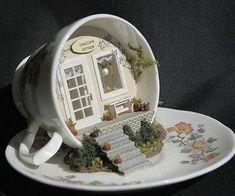 miniature dollhouse fairy garden ~ white pumpkin fairy house ~ new Miniature Crafts, Miniature Fairy Gardens, Miniature Dolls, Miniature Houses, Miniature Tutorials, Teacup Crafts, Fairy Doors, Cute Diys, Miniture Things