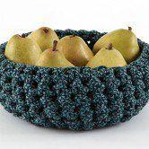 Faça uma fruteira usando crochê e tecido
