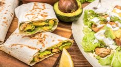 Try these simple yet satisfying chicken avocado burritos for a lovely lunch option. You'll want to make them for breakfast and dinner, too! Burritos, Easy Cooking, Cooking Recipes, Blender Recipes, Veg Soup, Avocado Recipes, Daily Meals, Easy Chicken Recipes, Mexican Food Recipes