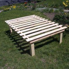 DIY Platform bed via http://www.instructables.com/id/Cheap-easy-low-waste-platform-bed/