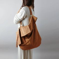 Soft leather hobo bag in light brown natural leather suede- slouchy leather hobo bag, brown suede bag, chic hobo bag #ad#leatherbag#leatherbagandpurses