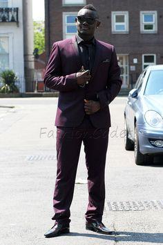 black suit with burgundy tie Burgundy Tie, Black Suits, Mens Suits, Google Search, Pants, Fashion, Dress Suits For Men, Trouser Pants, Moda