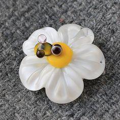 Handmade Lampwork Beads  Daisy Glass Beads by JewelryBeadsByKatie