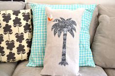 Palmetto and Crescent Moon South Carolina flag palm tree Pillow Cover Palmetto Tree, Palmetto Moon, Diy Pillows, Throw Pillows, South Carolina Flag, Tree Crafts, Southern Style, Pillow Covers, Quilting