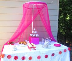 Simple Food Ideas for a LIttle Girls Party and a Pretty Party Table