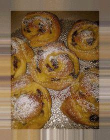ΚουζινοΣκαλίσματα: Ρολάκια με κρέμα και σταφίδες Canning Recipes, Cookbook Recipes, Sweets Recipes, Cake Recipes, Greek Sweets, Greek Desserts, Greek Recipes, How To Make Cake, Food To Make