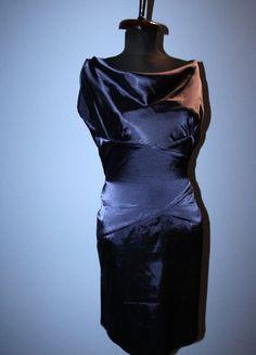 Kup mój przedmiot na #vintedpl http://www.vinted.pl/damska-odziez/krotkie-sukienki/11991209-grafitowa-granatowa-sukienka-dekolt-woda