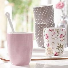 Omg i love these mugs! The brown polka dot ones look just like the fabric that my bridesmaids wore at my wedding. Anyone know where to buy?