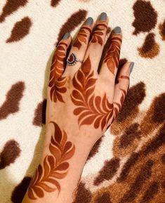 Hena Designs, Mehndi Designs For Girls, Mehndi Design Photos, Henna Mehndi, Henna Art, Hand Henna, Mehendi, Sexy Tattoos For Girls, Girl Tattoos