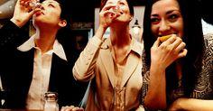 ¿Cuáles son los efectos de beber un gusano de una botella de Tequila?. Los no iniciados pueden pensar que algunas botellas de tequila tienen gusanos en el fondo, pero los bebedores experimentados de tequila saben que en realidad es el mezcal, un licor mexicano parecido, que viene con una sorpresa de gusanos en la parte inferior de la botella. Cuando se trata de los efectos que se sienten después de comer el gusano, ...