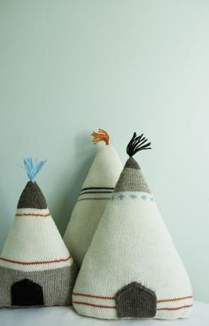 Whit's Knits: Teepee Pillows - The Purl Bee - Knitting Crochet Sewing Embroidery Crafts Patterns and Ideas!