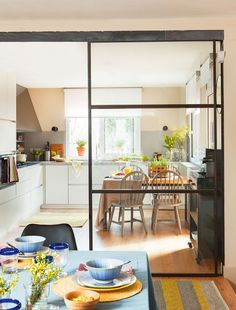 Espacios más abiertos y zonas de mayor luminosidad son algunas claves para reformar con éxito una casa, como este proyecto de la interiorista Marta Prats
