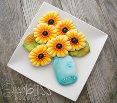Airbrushed Gerbera Daisy Cookies - Sweet Sugar Belle {airbrushed} #daisy #flower #cookies