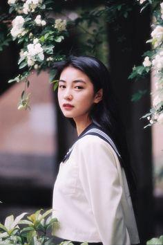 Photoshoot Concept, Cute Japanese Girl, Foto Pose, Girl Short Hair, Asia Girl, Ulzzang Girl, Aesthetic Girl, Film Photography, Pretty People