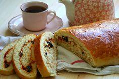 Salçalı Zeytinli Ekmek Tarifi