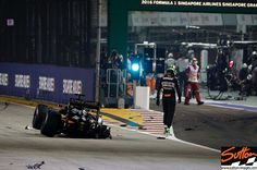 @hulkhulkenberg walks away from his crashed car after collision at the start #formula1 #F1 #F1NightRace #SingaporeGP