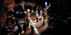 Disco Ayala, bailar en una cueva tiene mucha onda - http://www.absolut-cuba.com/disco-ayala-bailar-en-una-cueva-tiene-mucha-onda/