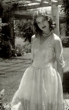 Loretta Young ...and that dress ♥