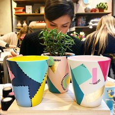 Im always inspired by the results from our Paint a Planter workshop. We play with mark making techniques and abstract patterns, so all the finished designs are completely unique! Terracotta Plant Pots, Painted Plant Pots, Painted Flower Pots, Pots D'argile, Clay Pots, Pottery Painting Designs, Cactus Pot, Flower Pot Crafts, Decoration Plante
