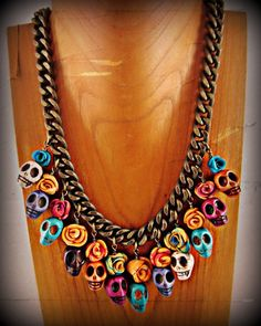 Rose Skull Necklace Skull Necklace, Skull Jewelry, Hippie Jewelry, Jewelry Art, Beaded Jewelry, Jewelry Accessories, Handmade Jewelry, Jewelry Ideas, Dyi Earrings