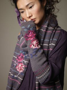 Rowan Magazine 48 - Autumn and Winter 2010 Knitting Daily, Knitting For Kids, Double Knitting, Knitting Yarn, Hand Knitting, Knitting Charts, Knitting Needles, Fingerless Mittens, Knit Mittens