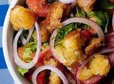 Salada de tomate, rúcula e croûtons