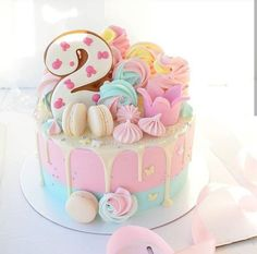 Pretty Cakes, Cute Cakes, Yummy Cakes, Art Party Cakes, Bolo Da Peppa Pig, Pastel Cakes, Cute Birthday Cakes, Cute Desserts, Novelty Cakes