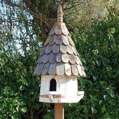 Klassisk rund fågelholk, modell duvslag, Traditionell engelsk fågelholk med tre igångar