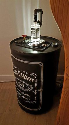 Whiskey Drinks, Cigars And Whiskey, Jack Daniels Whiskey, Jack Daniels Bottle, Liquor Bottle Crafts, Liquor Bottles, Bebidas Jack Daniels, Tonneau Bar, Whiskey Quotes