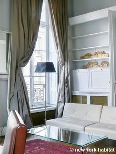 Quintessential #Paris. <3 http://www.nyhabitat.com/paris-apartment/furnished/4522 #rental