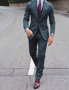 start of the week // urban life // mens suit // mens fashion // mens accessories // watches // shoes // stylish men // urban men // city dressing //