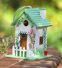 Colorful Cottage Bird House In Green Butterfly - Plow & Hearth Decorative Bird Houses, Bird Houses Painted, Bird Houses Diy, Fairy Houses, Painted Birdhouses, Birdhouse Designs, Birdhouse Ideas, Bird House Kits, Bird Aviary
